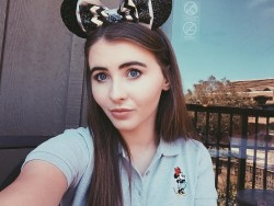 Sarah Carpenter - one Instagram in a Minnie Mouse shirt
