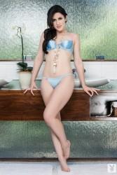 http://thumbnails114.imagebam.com/51965/e5a737519650000.jpg